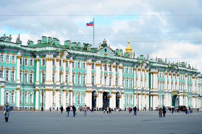 museum-hermitage-saint-petersburg-russia